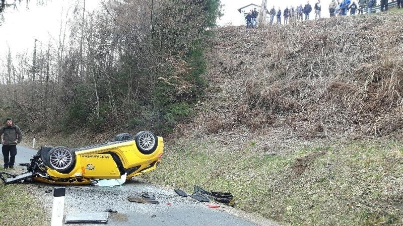T10 - Verkehrsunfall mit eingekl. Person